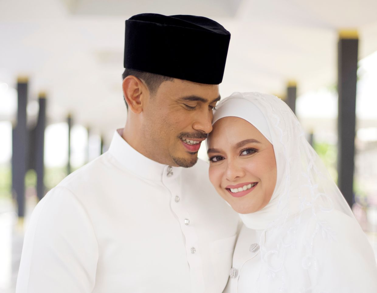 Remy Ishak and Ezza Yusof are now a married couple. Photo: riseandwin.asia/Instagram